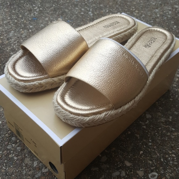 5626bb92aa43 Michael Kors Dempsey Slide Gold Metallic 7.5 Box